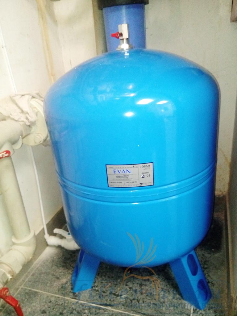 Накопительный бак чистой воды